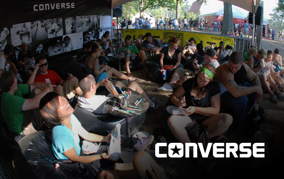 Converse - Punk Your Chucks